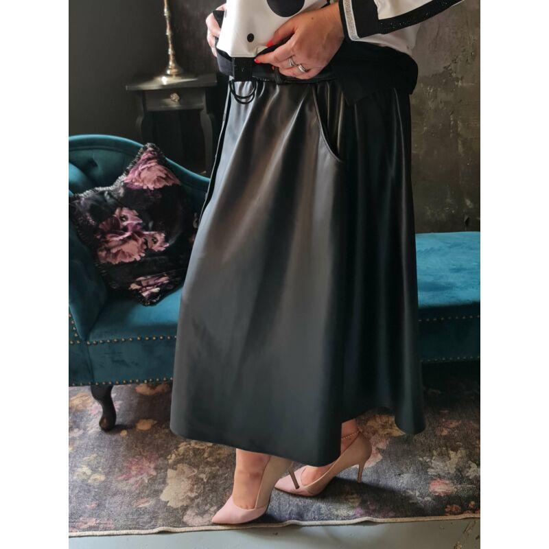 Irene szoknya - molett bőrhatású szoknya